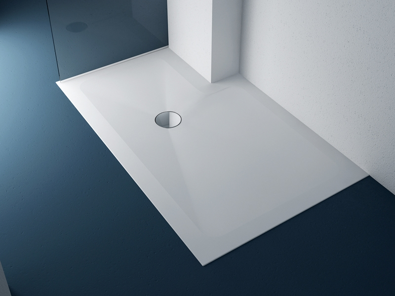 Piatto doccia a filo pavimento per un ambiente bagno senza barriere