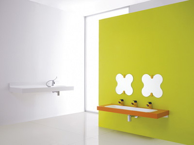 Coloured bathroom accessories for children