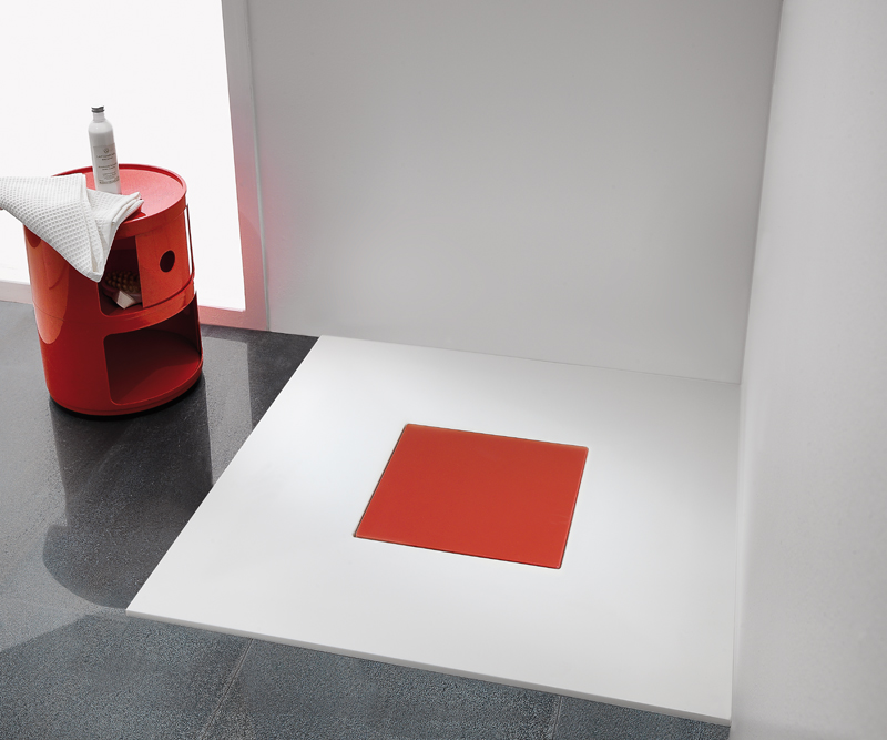Showcases shower tray with well drain, model Quadro, brilliant red