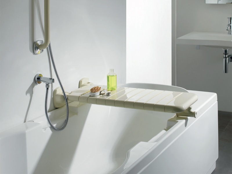Why choosing the folding seat for bathtub
