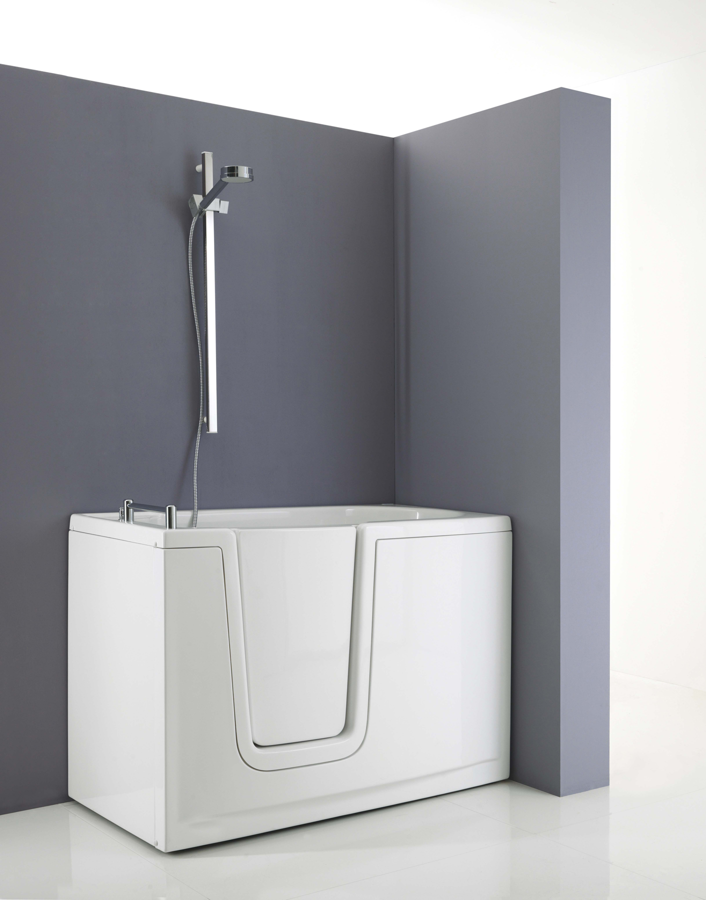 Walk-in bathtub with inwards opening door for disabled bathroom