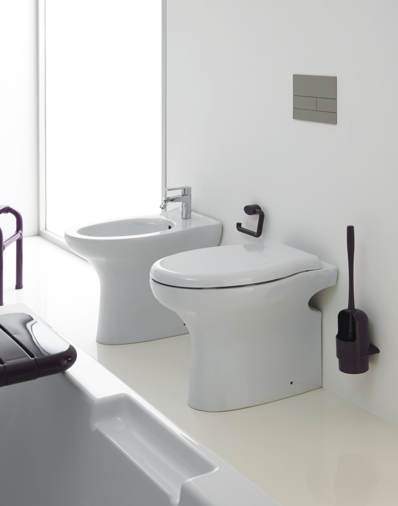 Bathroom environment free of architectural barriers - BE009