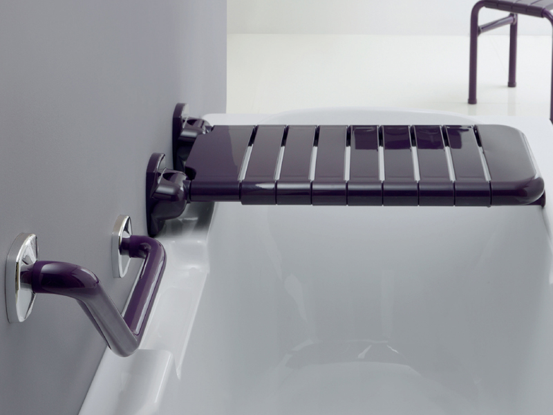 Solution for bathtub folding seat