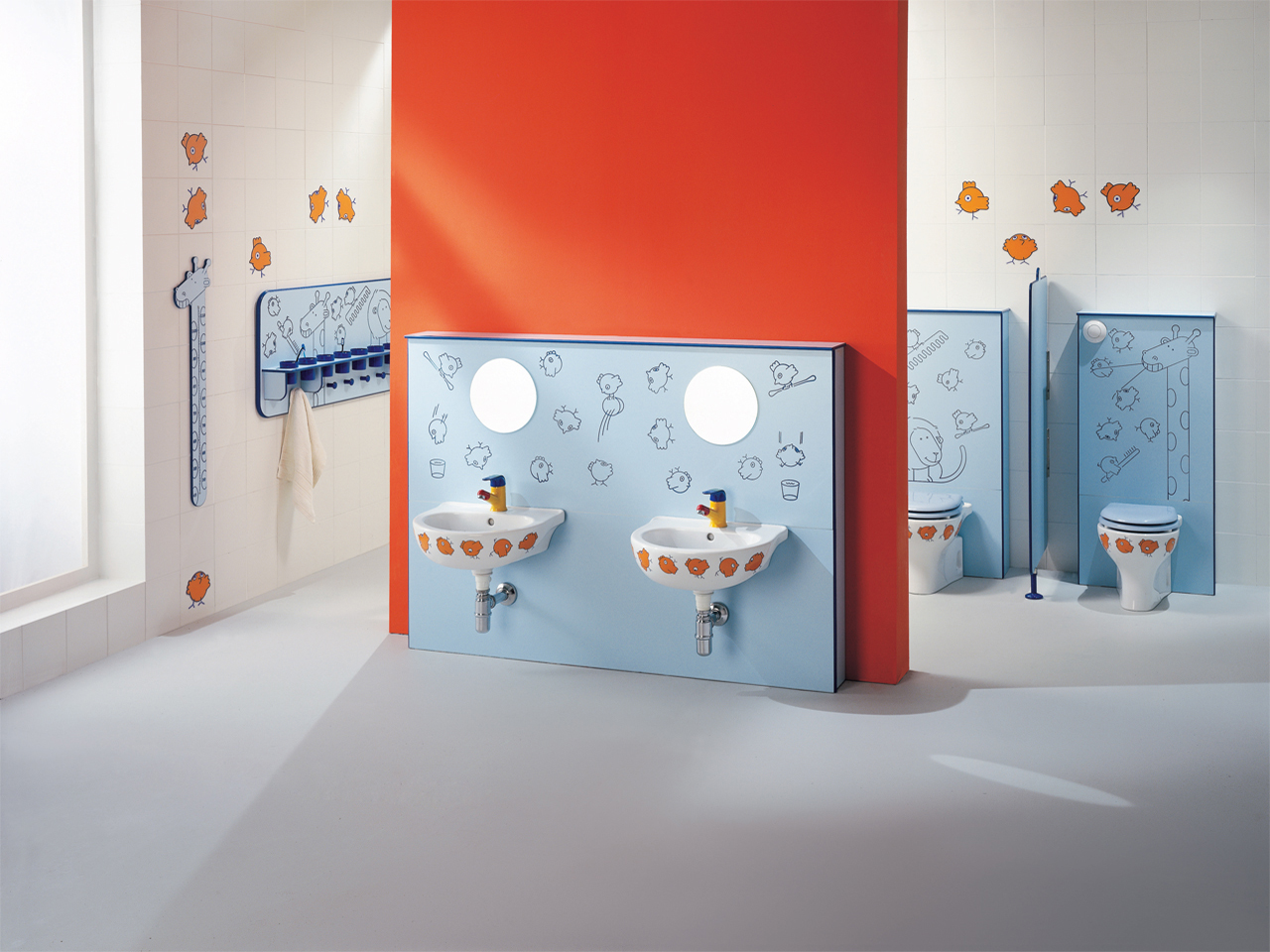 "Children bathroom environment with articles of the Line ""Birdo"" - IN008"